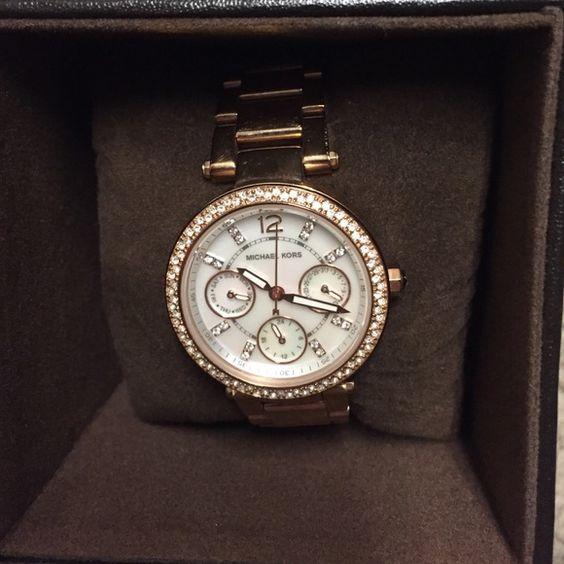 Michael Kors rose gold watch Beautiful rose gold Michael Kors watch. Michael Kors Accessories Watches
