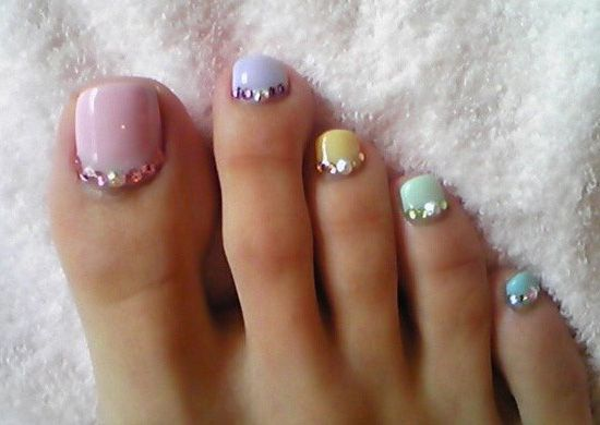 Awesome Pastel Cute Toe Nail Design in Various Color: