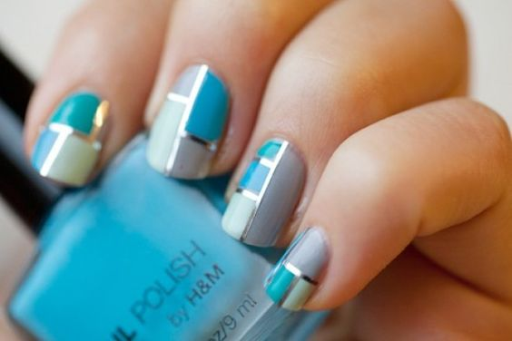 Interesting nails in blue ;)