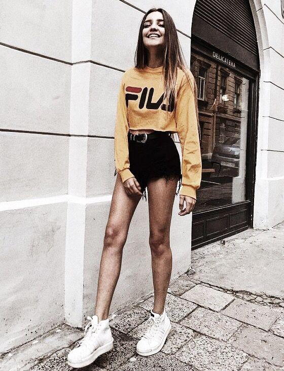 FILA Cropped Sweater | Trendy kleding, Outfits, Kleding mode