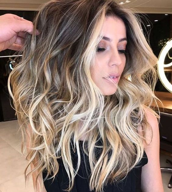 03 Brown Hair With Blonde Balayage Plus Face Framing To Highlight The Face Styleoholic Light Brown Hair Hair Styles Hair Highlights