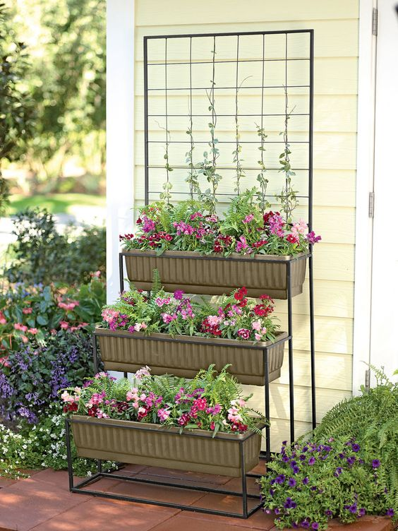 Garden Planters to Decorate Your