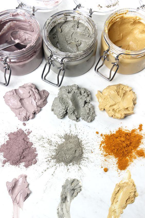 Which Face Mask is Right for You? Brambleberry has done it again by providing us with THREE CLAY MASK RECIPES and detailed information on the benefits of each:  1) LAVENDER CLAY MASK for dry, sensitive skin; 2) SEA CLAY MASK for oily, blemish-prone skin; and, 3) TUMERIC CLAY MASK for combination, dull skin... can't wait to mix these up!