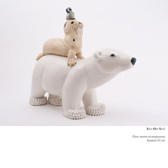 Ours blanc totem / white bear sculpture / Valérie Courtet / www.valeriecourtet.com