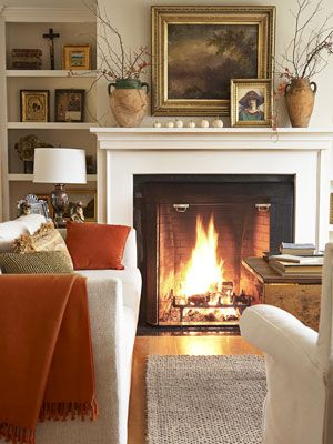 What a warm and inviting living room!