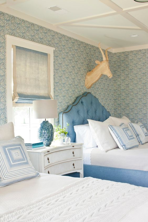 """Blue and white bedroom with paisley wallpaper (SL-103W by http://elizabethhamiltoncollection.com) -- 2013 Southern Living Idea House -- """"Her Bunkie"""" -- interior design: Phoebe Howard -- photo: Laurey W. Glenn. -- read more here: http://www.southernliving.com/home-garden/idea-houses/southern-living-idea-house-00417000077703/"""