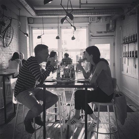 Farina supports date nighst. ❤️🍕#soromantic #pizzeriafarina #datenight #railrown #mainstreet #lastdaysofsummer
