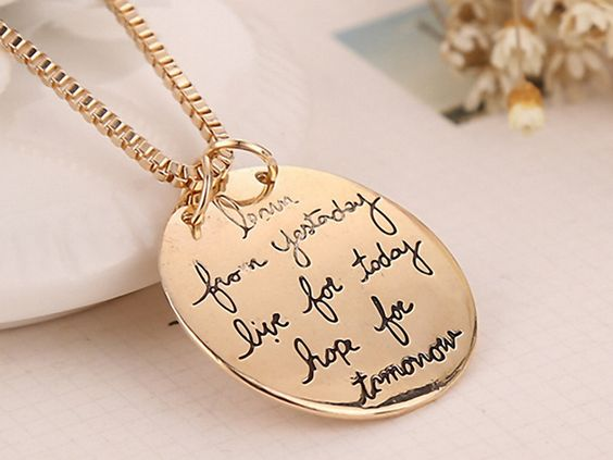 "kurze Kette aus gold mit Spruch ""learn from yesterday live for today hope for tomorrow"", Schönes Accessoire für Silvester, Toller Schmuck an Weihnachten / short necklace in gold with slogan, great accessory for new years eve, beautiful jewlery for christmas by  Kleines-Karma via DaWanda.com"