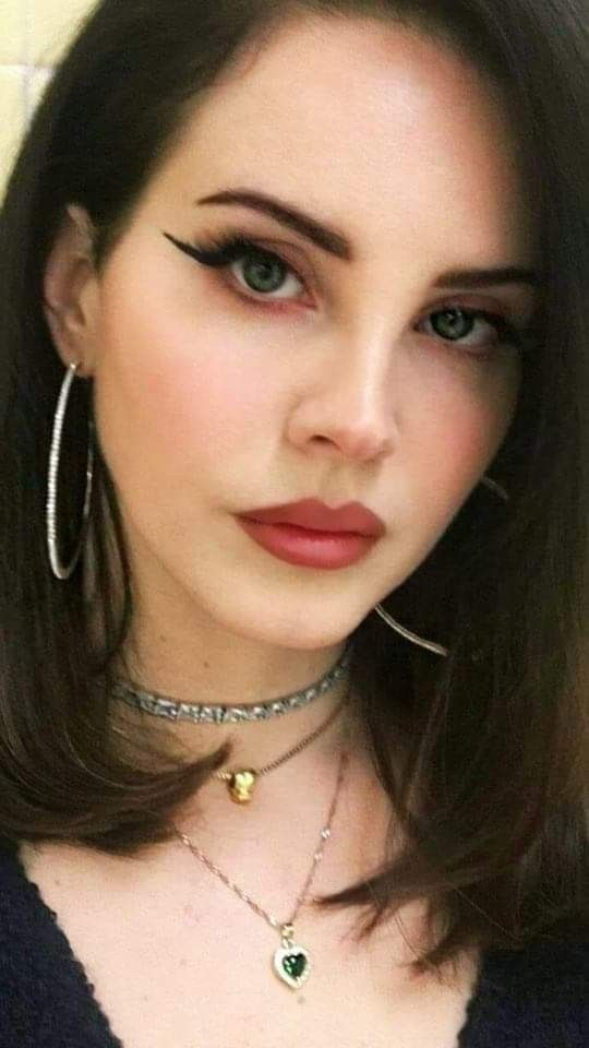 Pin By Teodora On Lana Del Rey Lana Del Rey Makeup Inspiration Beauty
