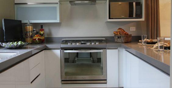 Una cocina con un diseño contemporaneo y con los acabados más elegantes. http://ow.ly/X7DAO