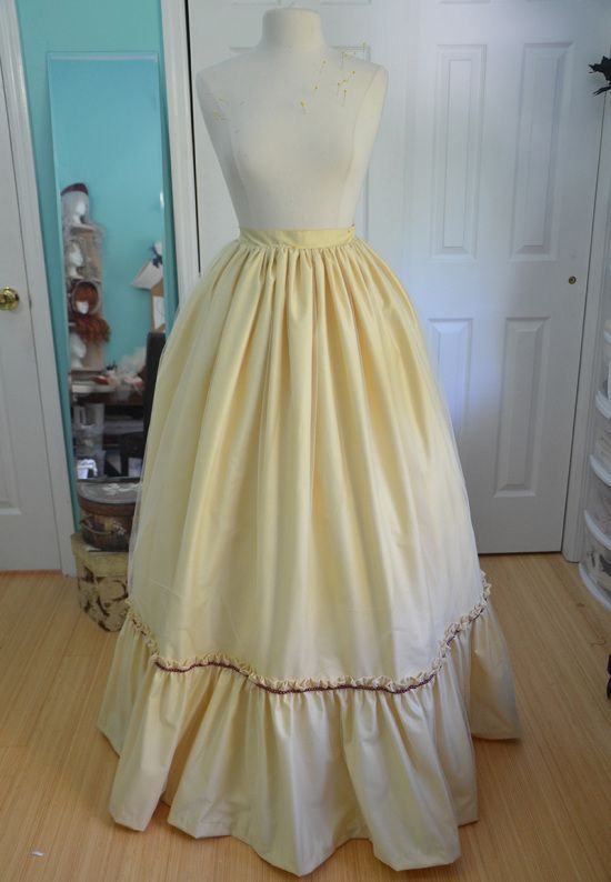 poof. @shelleyhouser ...this chick knows what she's doing.  Makes A LOT of dresses, skirts, jackets, etc. from scratch.