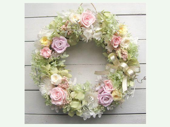 プリザーブドフラワーのバラやアジサイを贅沢に使用。ボリュームあるリースなので、存在感たっぷり!!プリザーブドで色も褪せず、長く飾っていただくことができ、結婚祝...|ハンドメイド、手作り、手仕事品の通販・販売・購入ならCreema。