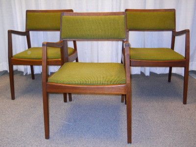 Original Mid Century Walnut Jens Risom Chairs with arms Knoll/Eames Era Wood tag