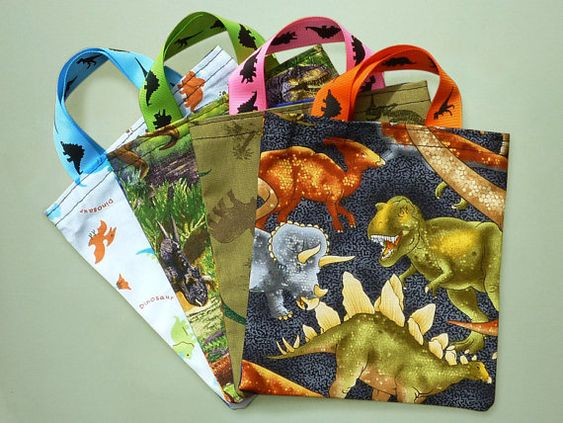 dinosaur goodie bags...I can diy these!