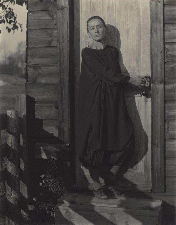 "ahoradote: "" Georgia O'Keeffe by Alfred Stieglitz, 1920 """