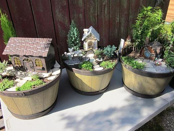 Miniaturgärten In Weinfass Anlegen Ideen | Garten | Pinterest ... Miniaturgarten Pflanzkubel Balkon