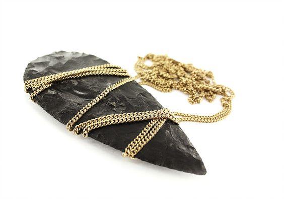 Marion FILLANCQ  - séries limitées - HAND BIFACE - collier - obsidienne de Sardaigne, laiton plaqué or 18k: