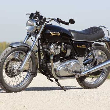 Classic Experience: Living With a 1973 Norton Commando 850 - Classic British Motorcycles - Motorcycle Classics