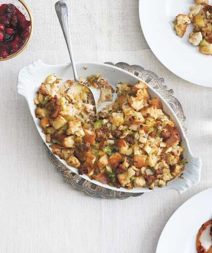 apple stuffing dinner menu thanksgiving dinners real simple stuffing ...