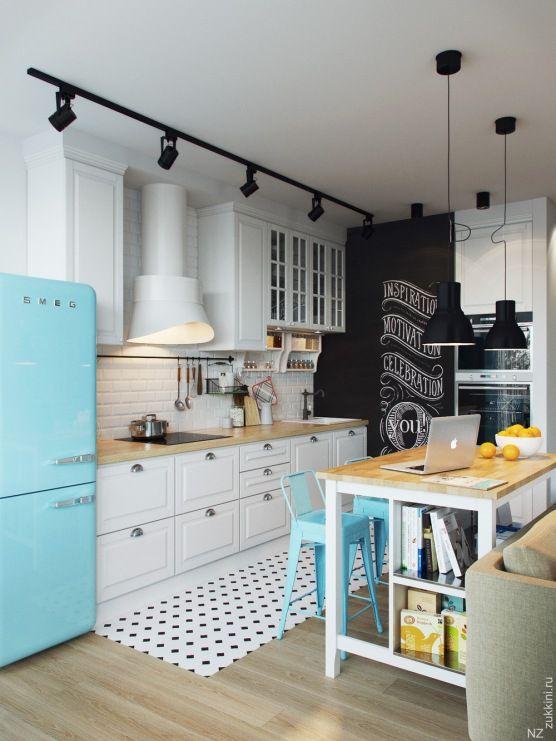 Blekitna Lodowka I Krzesla W Oryginalnej Aranzacji Kuchni Lovingit Pl Kitchen Design Small Kitchen Design Retro Kitchen