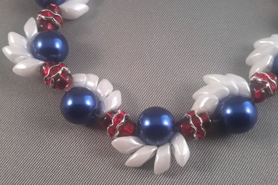 Pearl Wave Bracelet - blue/white/red by CreativeEmbers on Etsy