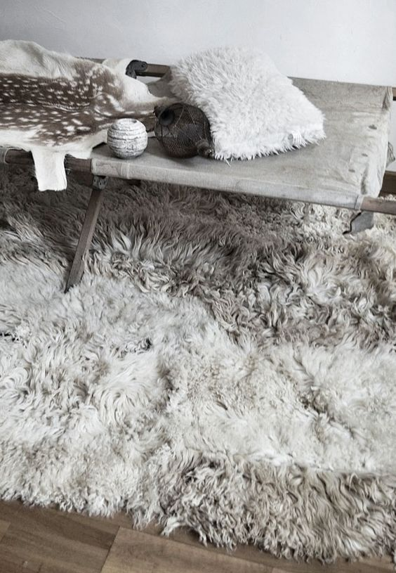 = sheepskin rug = Mechant Studio