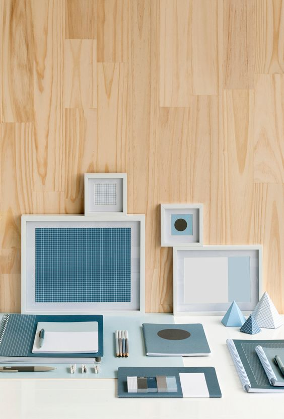 Use blue pieces from the Basics collection to counteract chaos in your workspace. Accessorising a workspace with a blue foundation of stationery essentials leaves you with the flexibility of choosing from another neutral colour tone like Grey and Brown, or a vibrant injection colour like Pink, Orange and Yellow for contrast.
