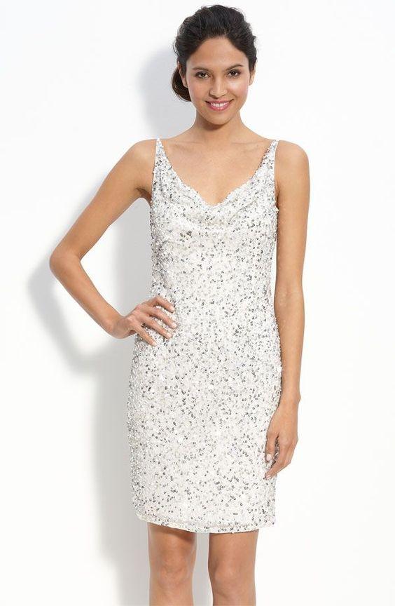 Vestido branco detalhes em prata - http://vestidododia.com.br/vestidos-de-festa/look-do-dia-vestidos-brancos-com-detalhes-em-prata/ #fashion #dresses