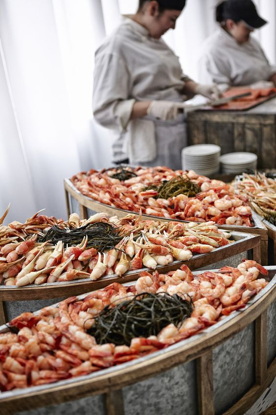 Seafood Wedding Station Photography: KingenSmith Read More: http://www ...