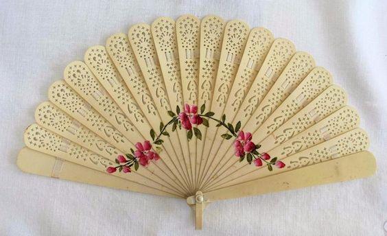 VINTAGE 1920 s PIERCED & PAINTED CREAM CELLULOID BRISE FAN  - PINK FLOWERS