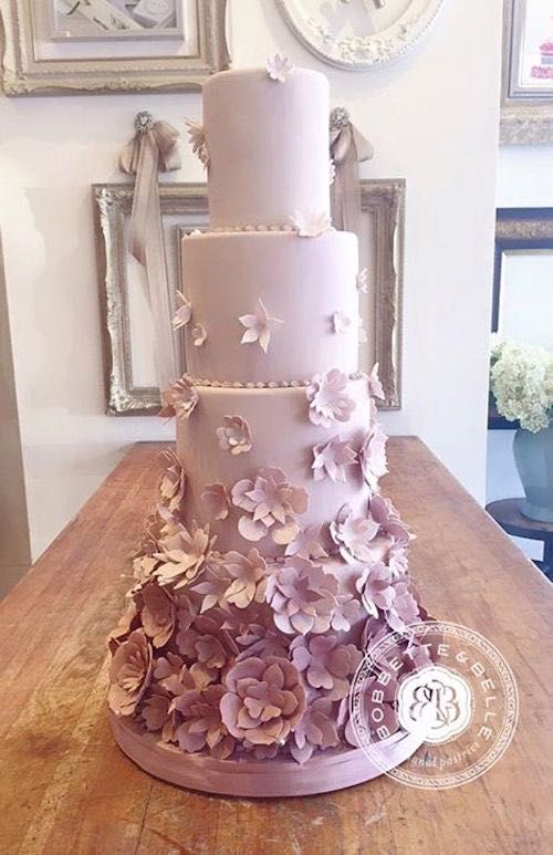 Classic and Elegant Wedding Cakes - MODwedding