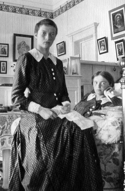 The high quality of the famous photograph of shaven-head Tatiana and her sister, Grand Duchess Olga:
