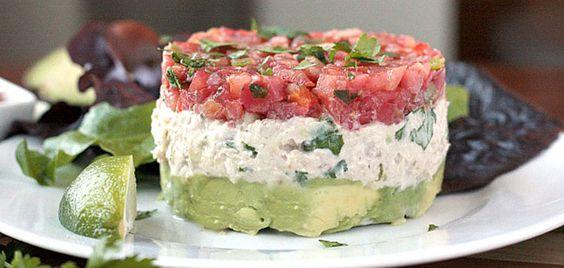 Tartar de aguacate, atún y tomate #recetas #verano
