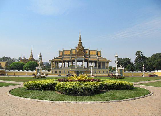 Sân khấu Chanchhaya - nơi để tổ chức những buổi diễn văn nghệ của hoàng cung