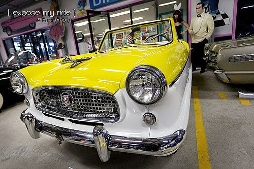 Metropolitan In Lost In The 50s Car Museum In Newcastle Australia American Classic Cars Car Museum Car Memorabilia