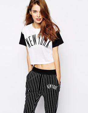 Enlarge White Chocoolate New York Cropped T-shirt