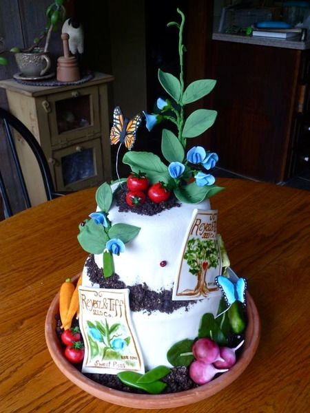 15 Beautiful Ways to Decorate a Cake with Flowers | Babble