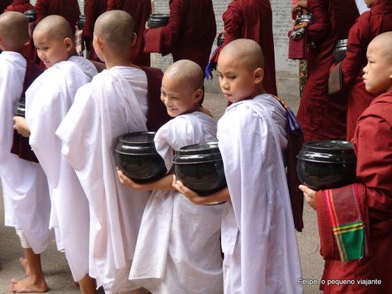 Felipe, o pequeno viajante: Causos do FPV pelo mundo - Episódio #3: almoçando com os monges de Mianmar