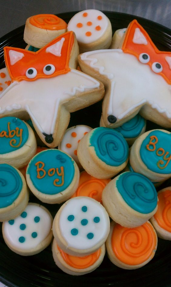 Fox baby shower tray i could make these so easily for Baby shower tray decoration