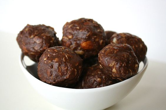 Chocolate Oat Balls [The Garden Grazer]