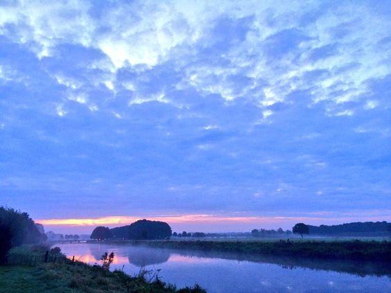 Een mooie herfstige zaterdag...   A nice autumny saturday...  #sunrise #autumn #greatskies #Vechtdal #Mooirivier