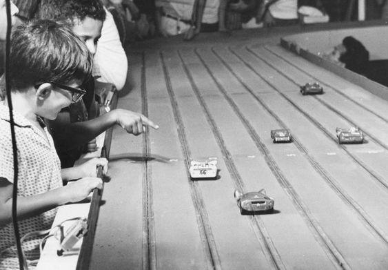 Acervo/Estadão - Corrida de carrinhosna foto de 1967