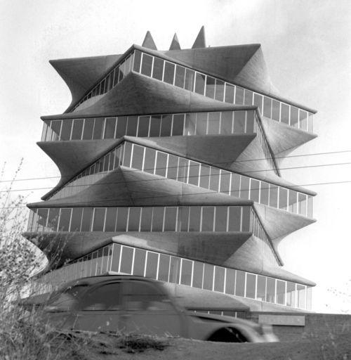 """Laboratorios Jorba, """"La Pagoda"""", Madrid, by Miguel Fisac"""