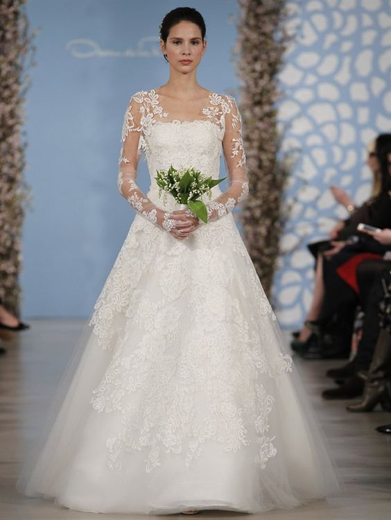 Oscar de la renta 2014 bridal long sleeve wedding dress | fabmood.com