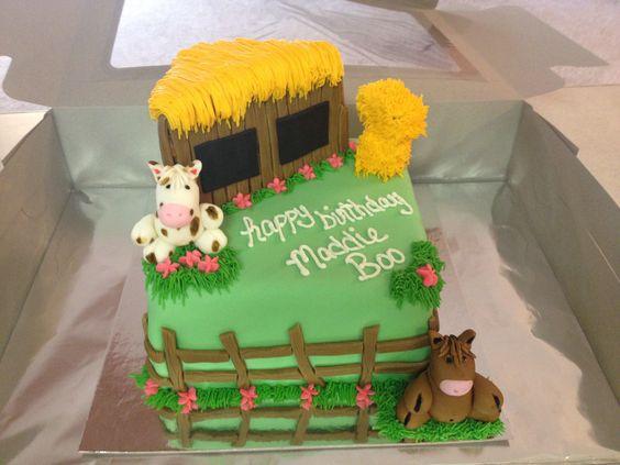 Maddi Boo's barnyard cake