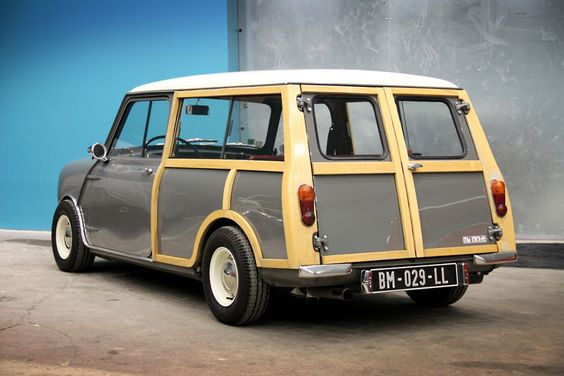 1965 austin mini countryman mini woodie on the road. Black Bedroom Furniture Sets. Home Design Ideas