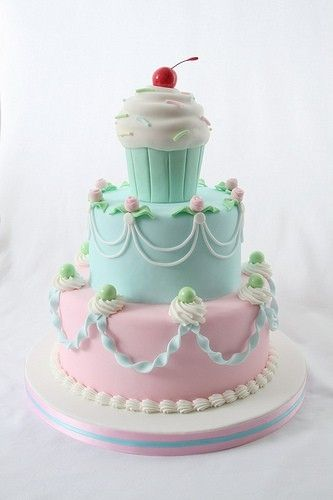 I am in in LOVE with this cake!!!! by Norma Villon