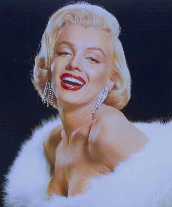 Marilyn MONROE 1953 / by Frank POWOLNY