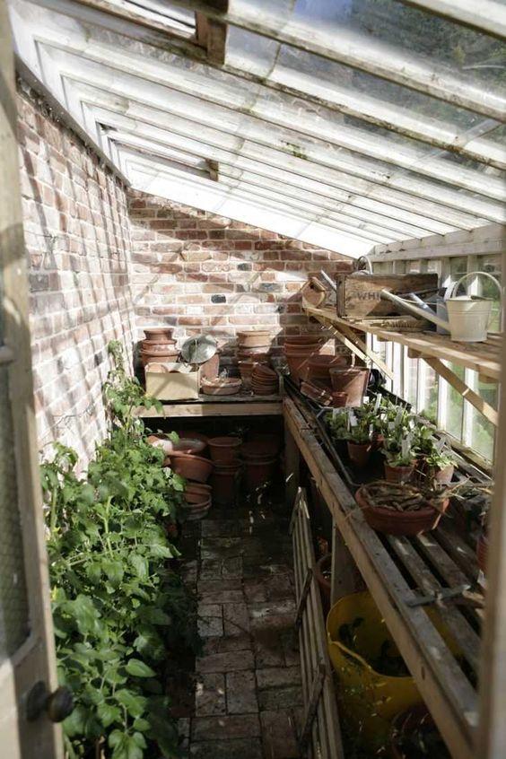 jj LOCATIONS - 16th Century Farmhouse, Suffolk