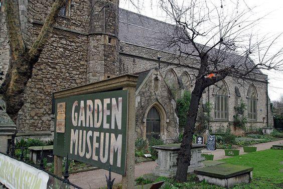 800px-London_garden_museum_entrance
